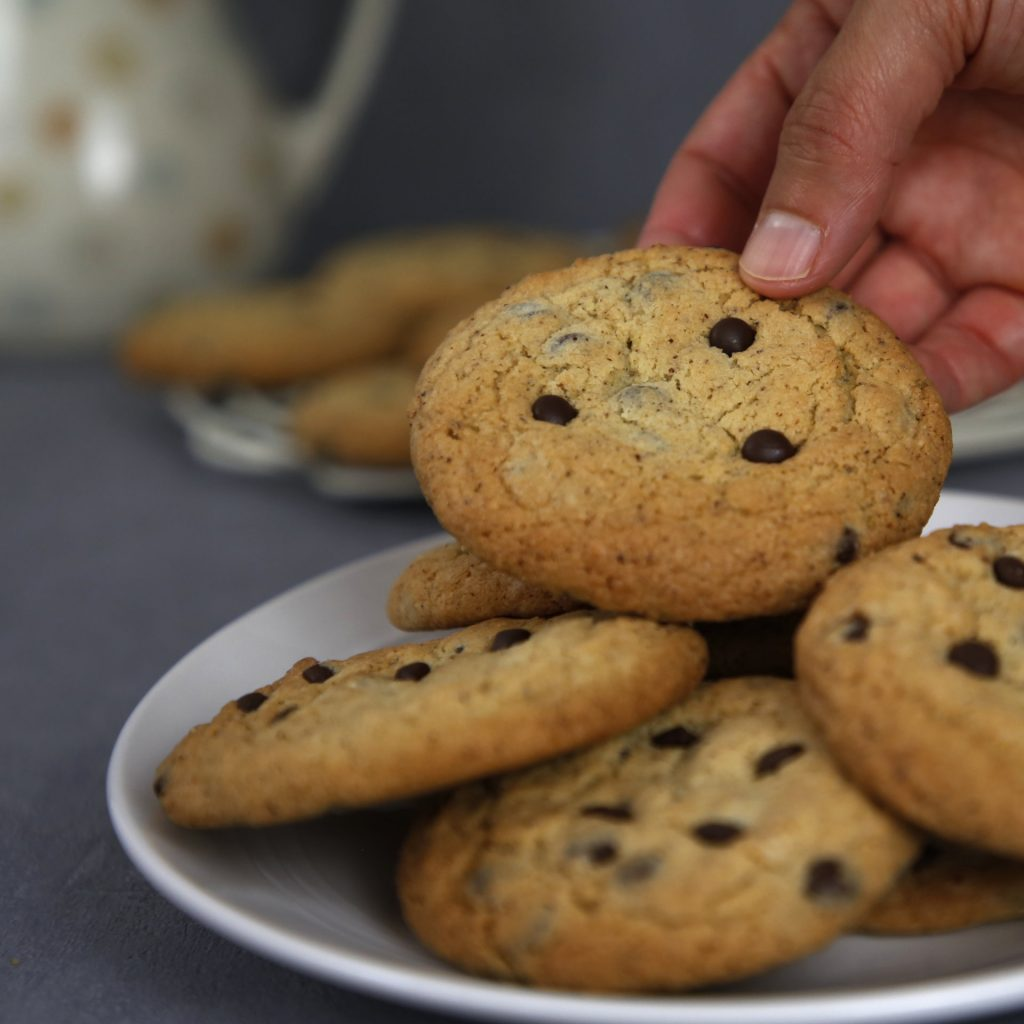 cookies avelã e chocolate